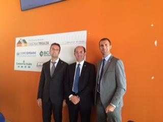 A sinistra Andrea Albinati, al centro il Presidente AISM Cervino, a destra Lino Lunardi